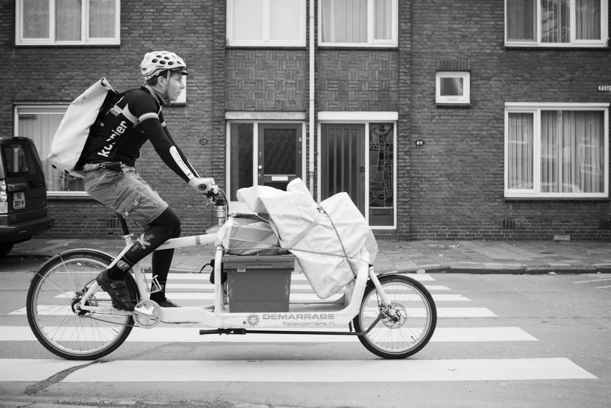 fietskoerier_pakket_bezorging.jpg